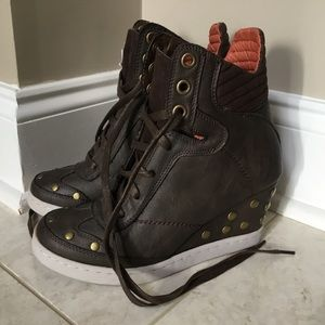 NWT REPORT brown orange studded wedge boot 8.5 M